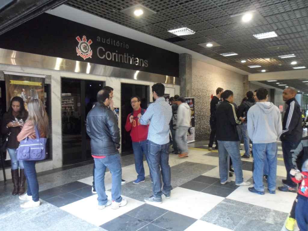Aula-experiência no Parque São Jorge com visita e jogo da base do Corinthians