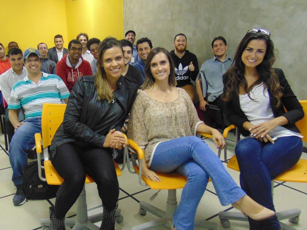 Aula sobre jornalismo esportivo com Helena Calil e suas convidadas Marina Galeano e Isa Labate